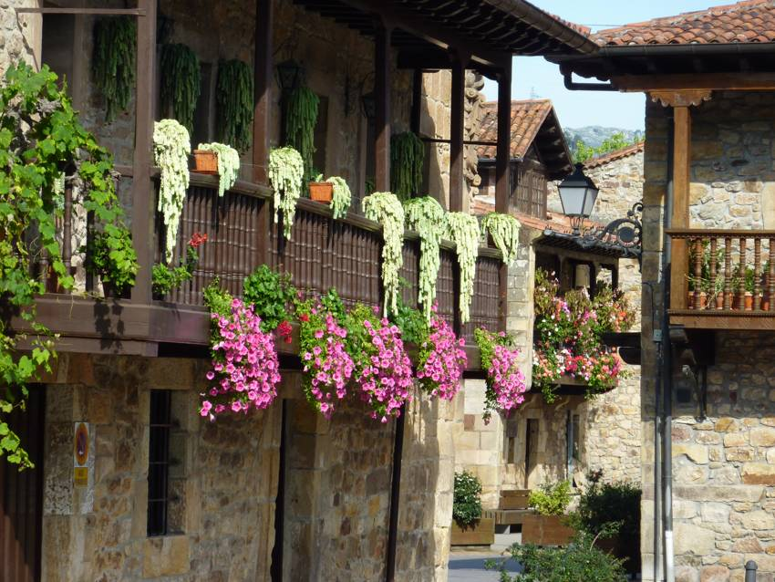 Balconada en una casa de Liérganes