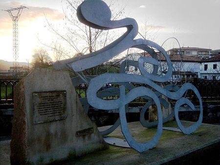Monumento a Vicente Trueba en La Cavada